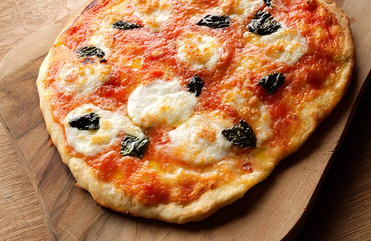 マルゲリータ<br>お好みの具材を乗せて、我が家のオリジナル・ピッツアを♪<br>冷水さんの春のレシピをお届けします。